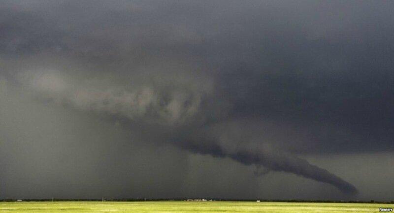 Фотографии сильнейших торнадо года. Впечатляющие снимки природной стихии 0 13fc94 f459b9f6 XL