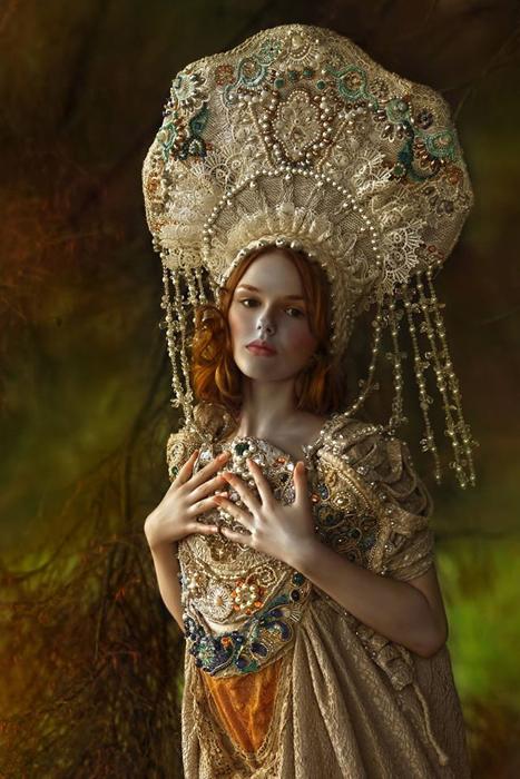 Сама себя Агнежка Лорек (Agnieszka Lorek) представляет не только как фотографа, но и стилиста, визаж