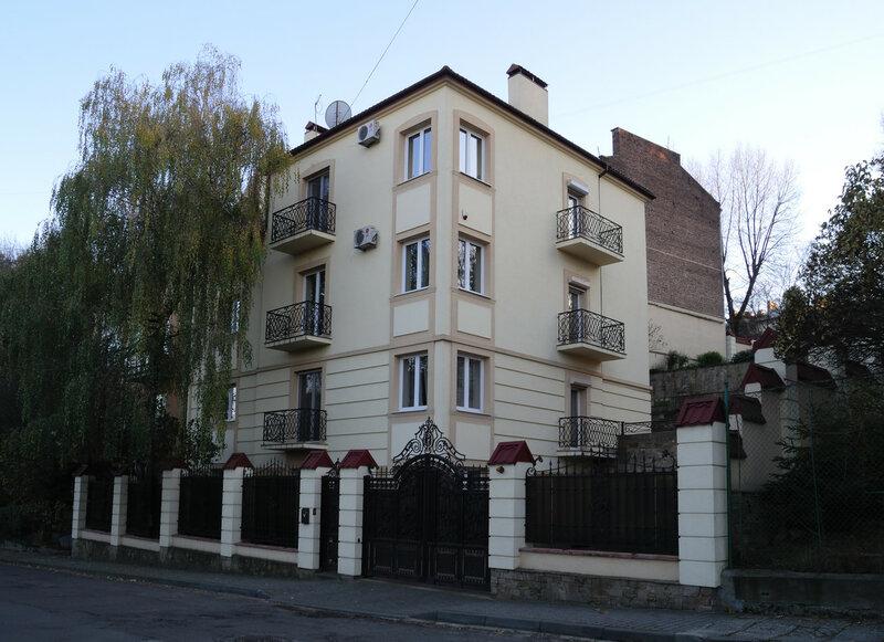 ул. И. Слипого, дом 21