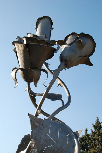 """Памятник """"Розы"""""""