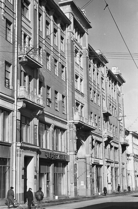 166597 Пушкинская улица, дом № 9 И.Нагайцев кон. 80-х.jpg