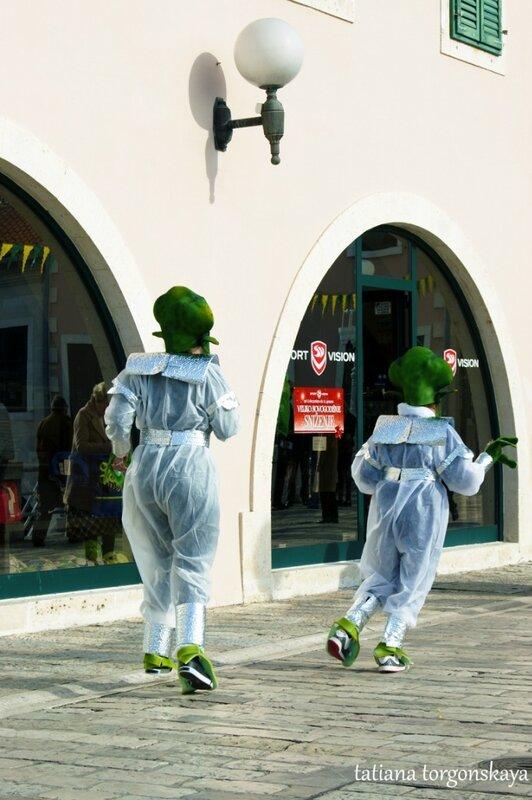 Танцующие инопланетяне