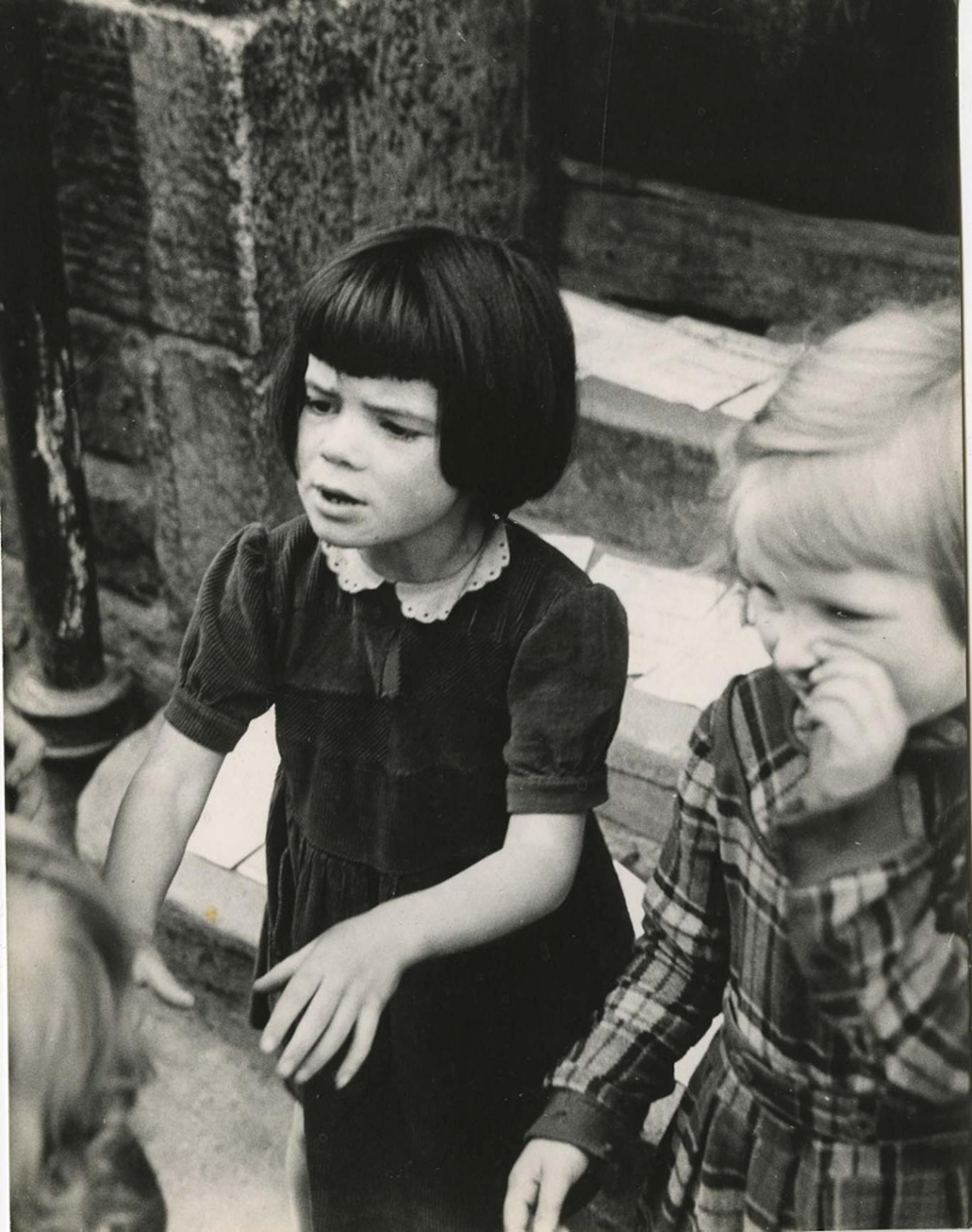 1958. Эдинбург (Девочка в темном платье)