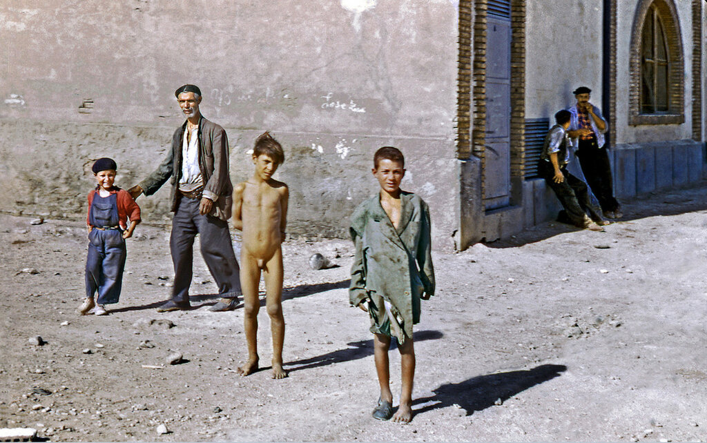 1955 Madrid outskirts.jpg