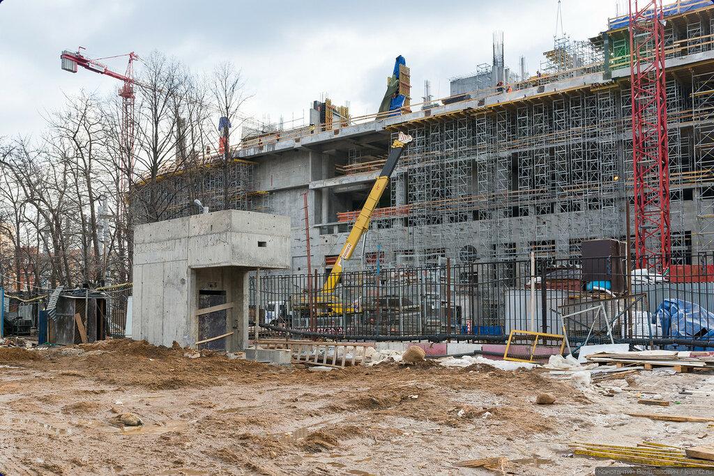 Уже готовый в конструкциях лифтовой павильон