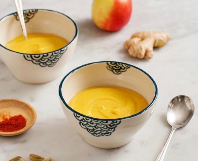 Ингредиенты: половина небольшой тыквы среднее яблоко маленькая луковица чеснок— 2зубчика свежий те