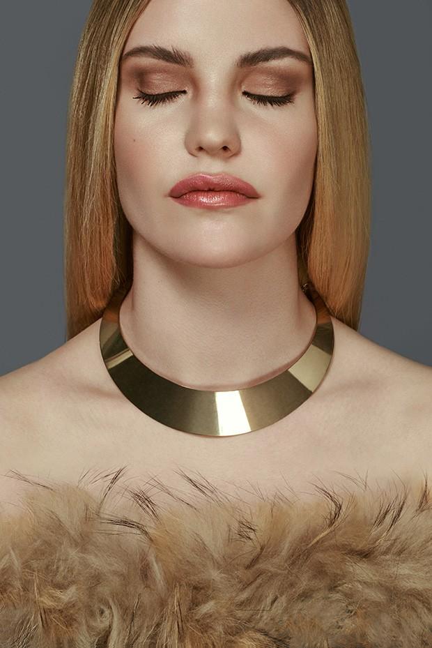 Photographer: Daniel Scheel Retouch: Sebastien Galtier Model: Joana M? Borras Makeup: Seda MakeUp Ar