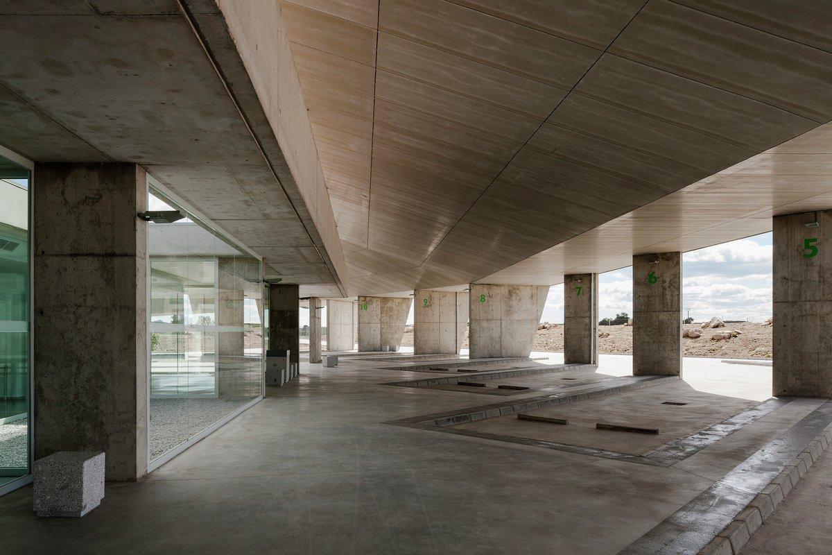 оформление автовокзала, Ismo Arquitectura, красивый автовокзал, оформление вокзала, самый красивый автовокзал, монолитное здание дизайн