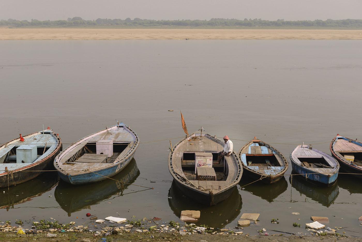 Фотография 5. Экскурсия по Варанаси. Лодочник на реке Ганг. Рассказы о поездке в Индию самостоятельно. 1/200, 9.0, 125, 70.