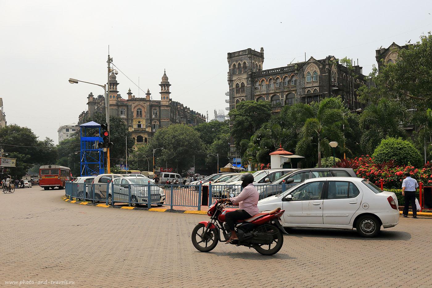Фото №9. Перекресток с вышкой для регулировщика в Мумбаи. Отзывы туристов об отдыхе в Индии. (24-70, 1/1000, -1eV, f7.1, 37 mm, ISO 100)
