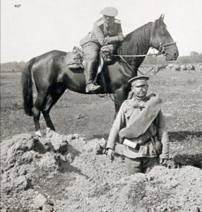 18. 1914. У воронки от тяжелого снаряда. Район Мальче. Галиция