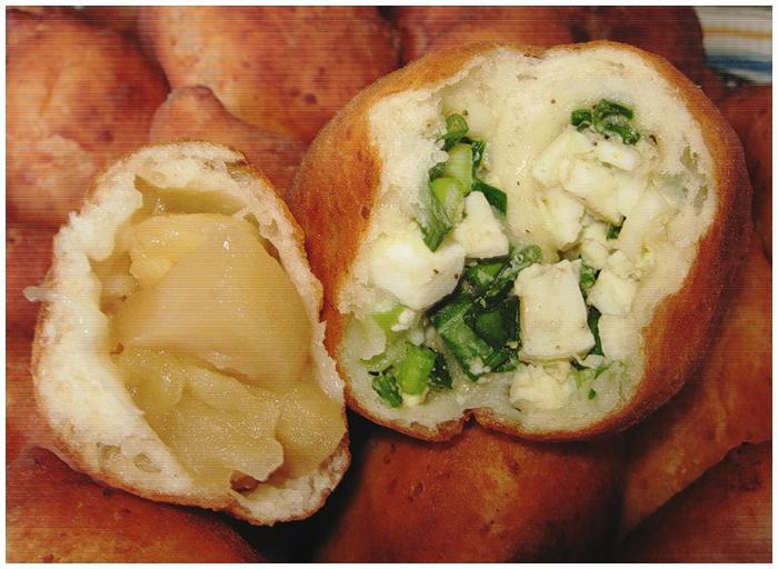 жаренные творожные пирожки с яблоками и яйцом и луком фото рецепт