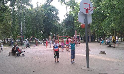 В парке Героев Гражданской войны закроют детскую площадку
