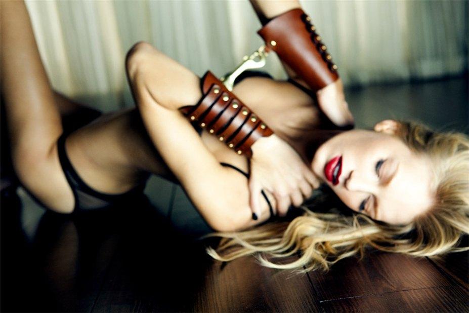 Amy Hixson / Эми Хиксон, фотограф Caitlin Mitchell - Private Obsession / Личное наваждение