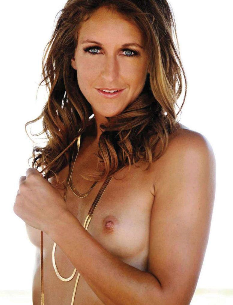 Участница Олимпиады, немецкая спортсменка Кристина Шутце (Christina Schutze) в журнале Playboy Germany, август 2012