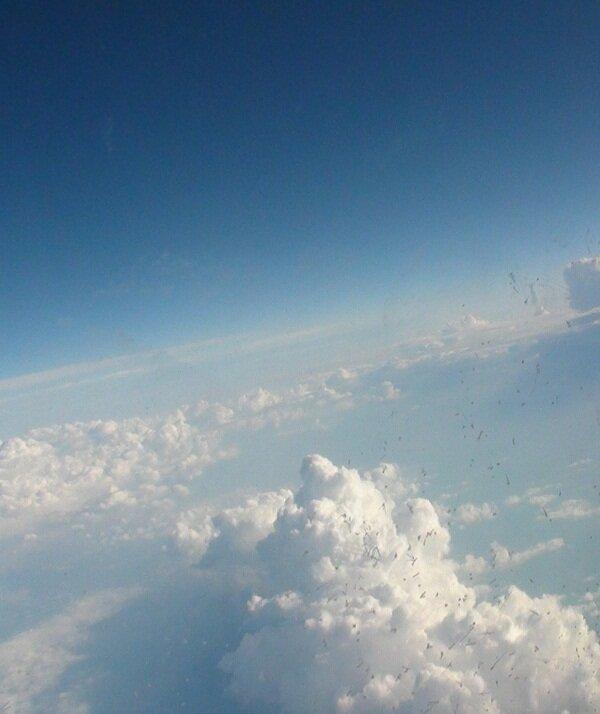 Облака из окна самолёта