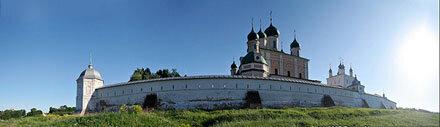 Переславль-Залесский -- город древний и безопасный.