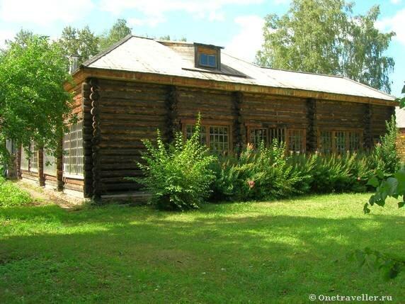 Теплица во внутреннем дворе музея-усадьбы П.И.Чайковского в Воткинске