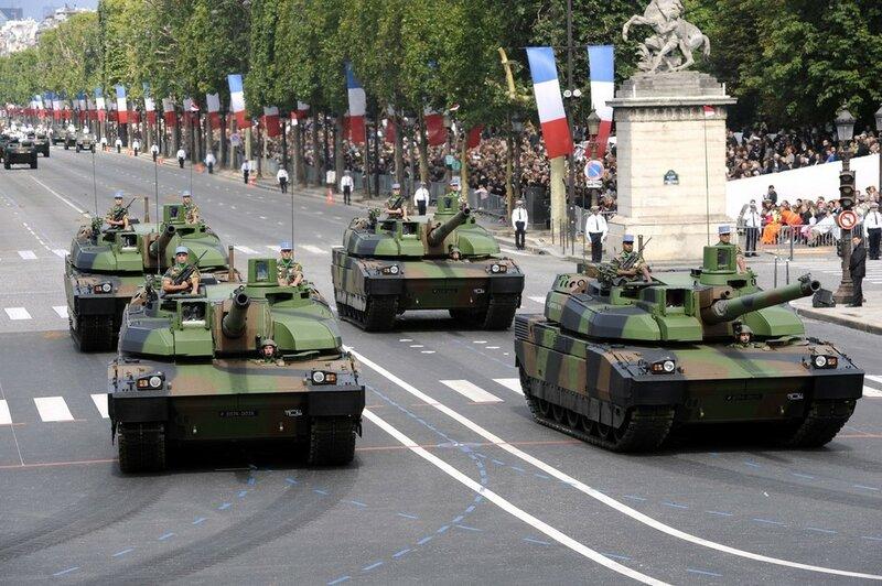French AMX-56 Leclerc, a battle tank, pa