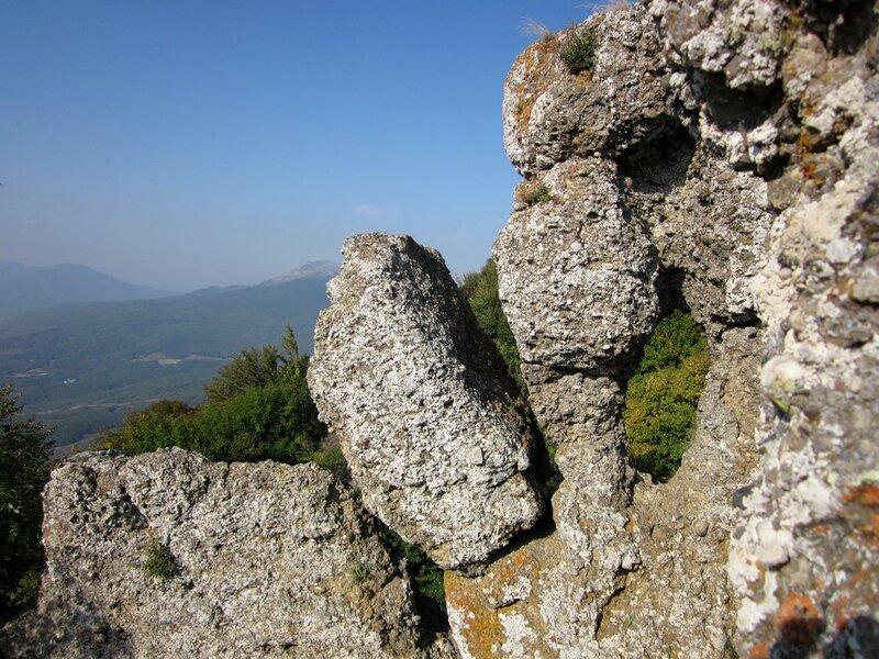 Камень с окном