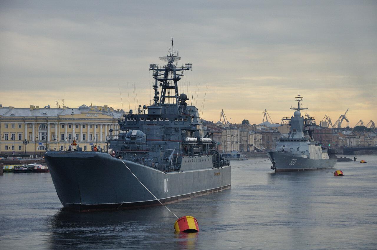 день военно морского флота спб 2016 ног Причем
