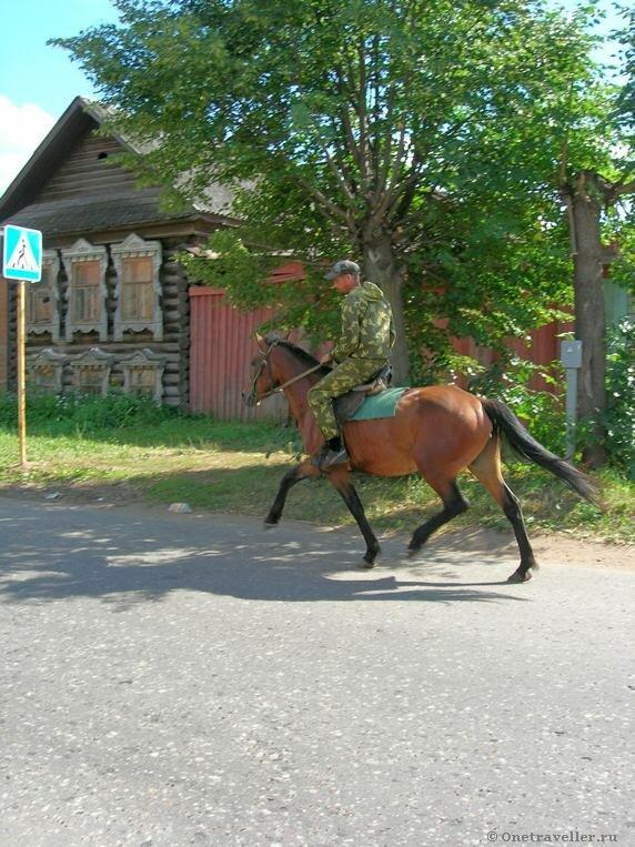 Воткинск. Местный житель на лошади