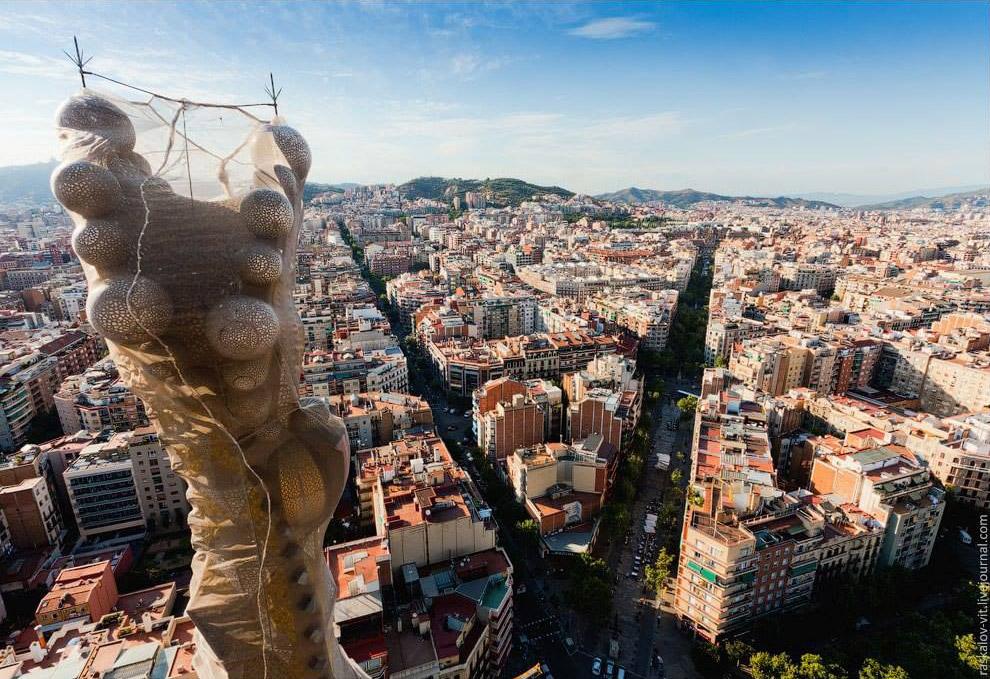 Согласно данным правительства Испании, полностью достроить храм удастся не ранее 2026 года.