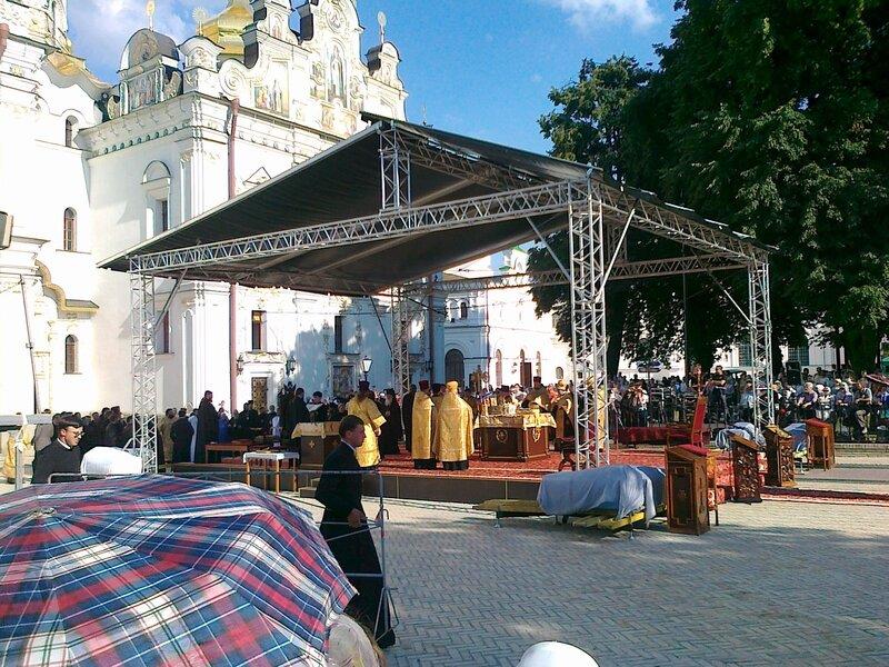Молебен на Соборной площади