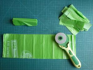 Вязание ковриков из пакетов. Нарезание пакетов для пряжи