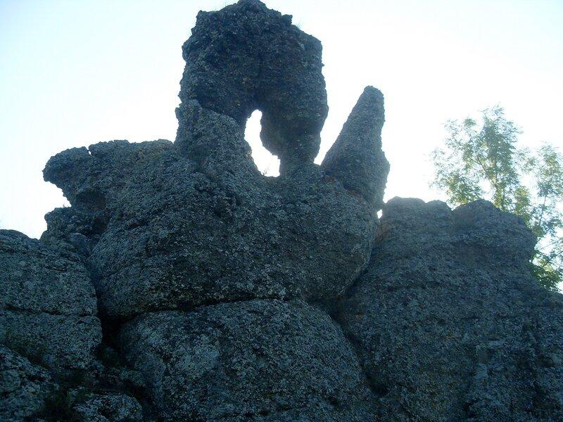 Природная скульптура из камня