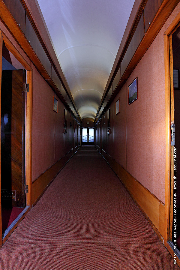 теплоход Бородино коридор в носовой части средней палубы