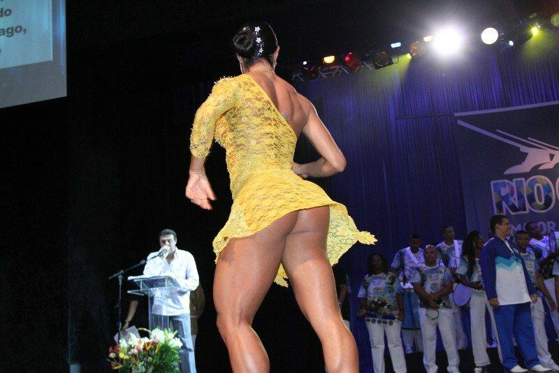 golie-popi-na-brazilskom-karnavale