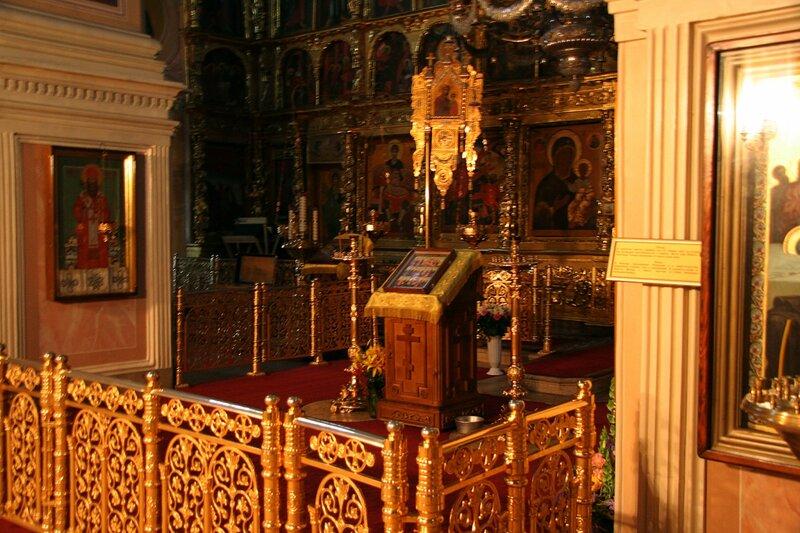 Внутреннее убранство Успенского собора, Дмитровский кремль