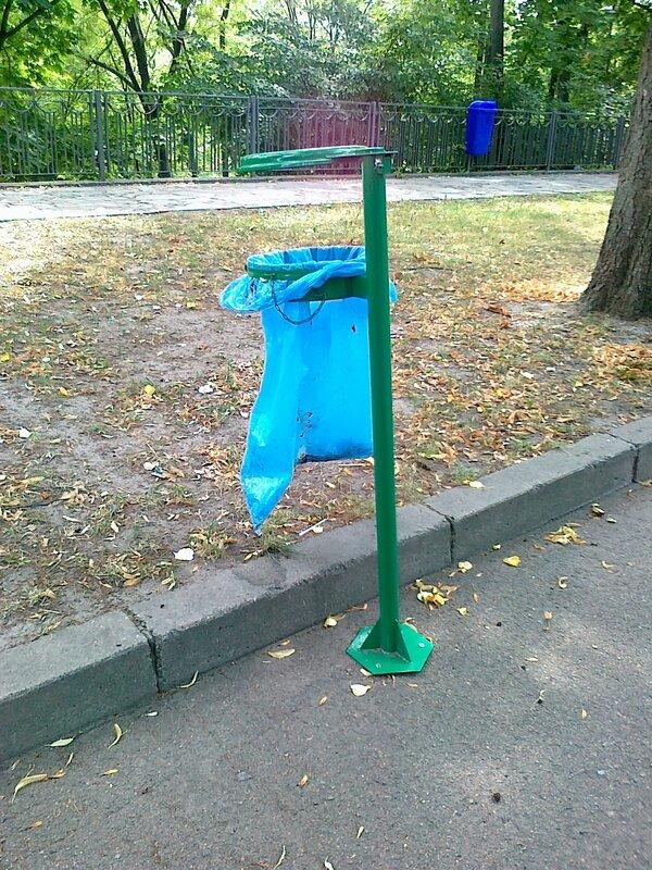 Новые антитеррористические урны в Киеве