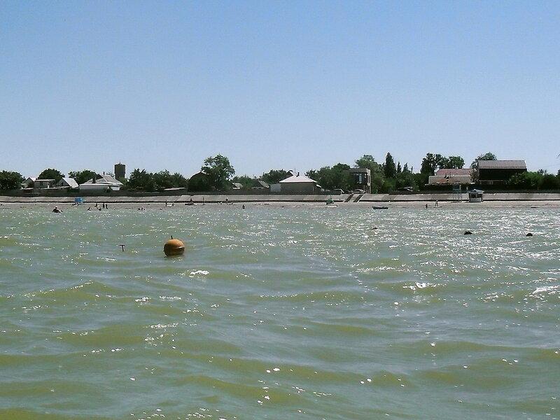 Яхтенный бег у линии берега