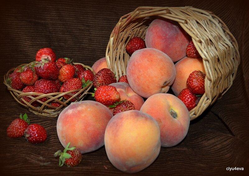 Натюрморты с персиками!