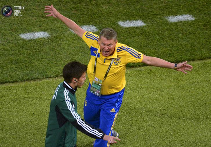 протест Олега Блохина во время игры сборных Украины и Англии на Евро-2012