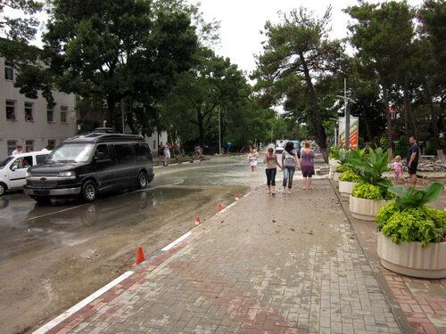 Улица в Кабардинке после наводнения