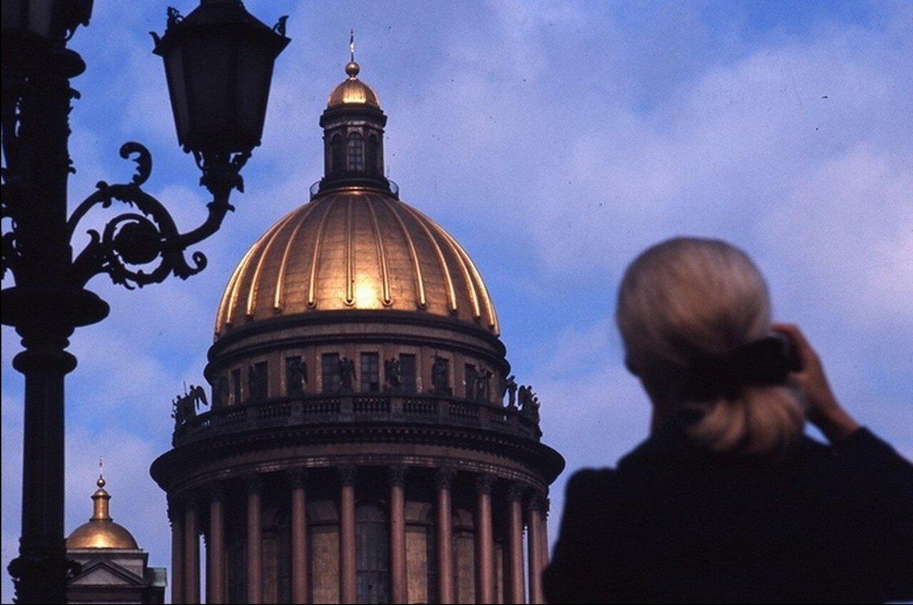 10 Глядя на купол Исаакиевского собора
