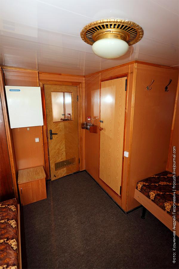 Двухместная одноярусная каюта №19 на главной палубе. теплоход Белинский