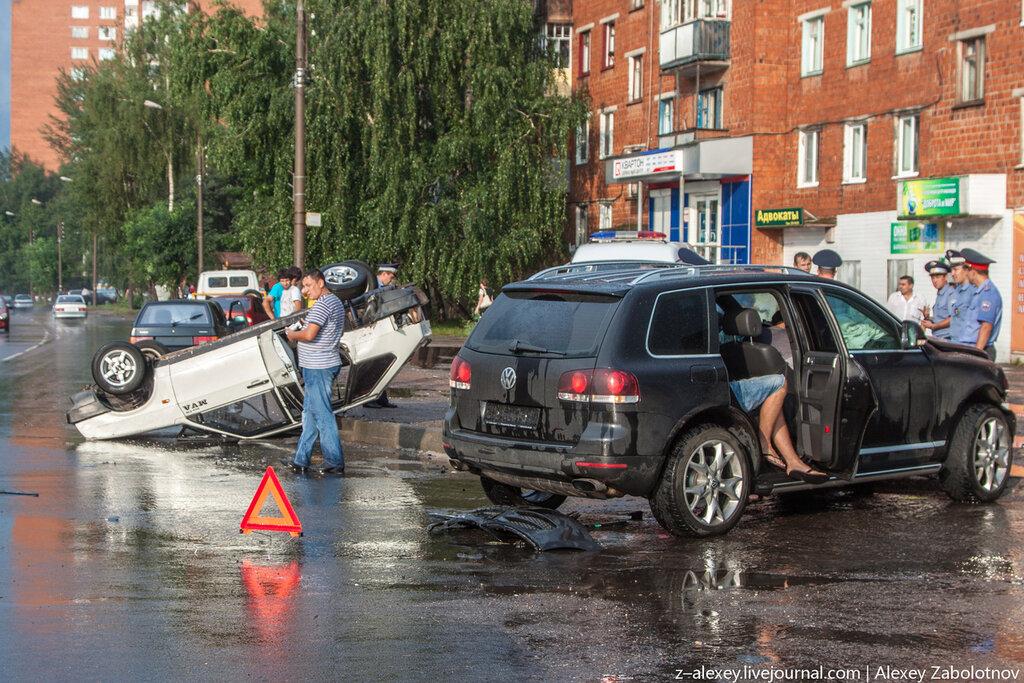 ДТП ВАЗ-2109 и Touareg в Чебоксарах