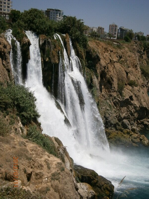 "Водопад ""Поднимающий арбузы"""
