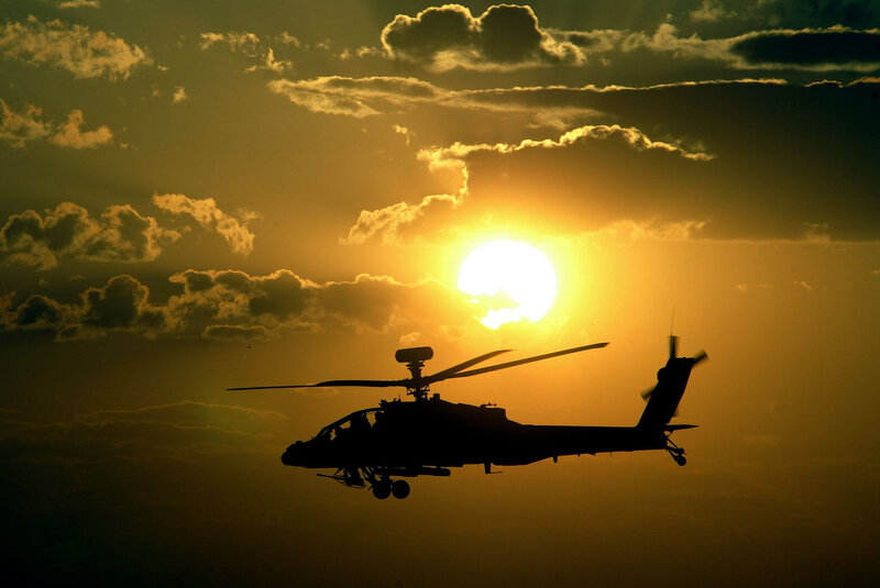 APACHE HELICOPTER LANDS IN THE SOUTH OF NAJAF