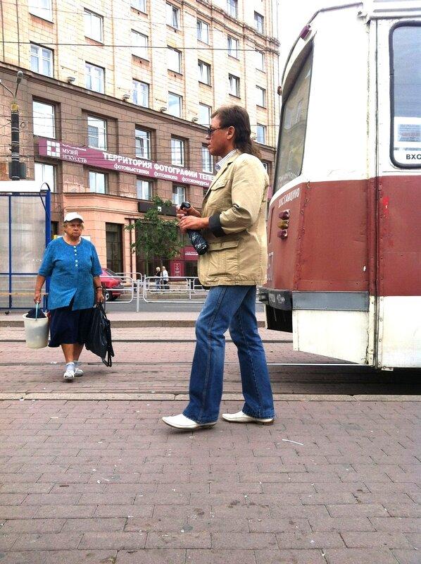 Мода на белую обувь. Цвиллинга - пл. Революции