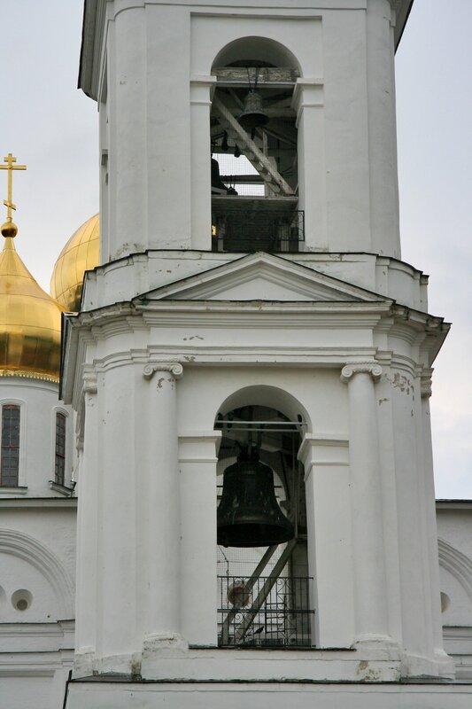 Дмитров, Колокольня Успенского собора