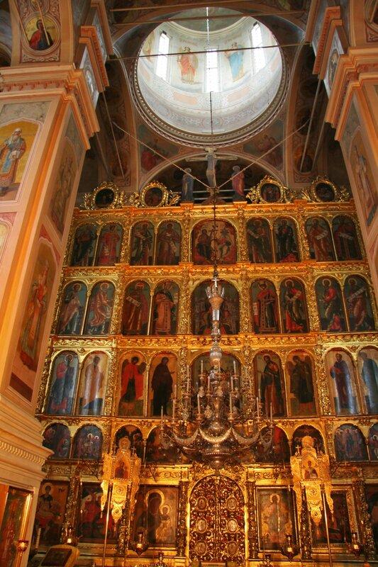 Внутреннее убранство Успенского собора, Дмитров