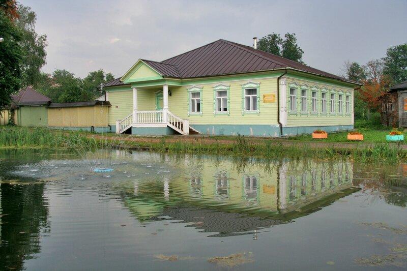Дмитровский кремль, Музейная гостиная
