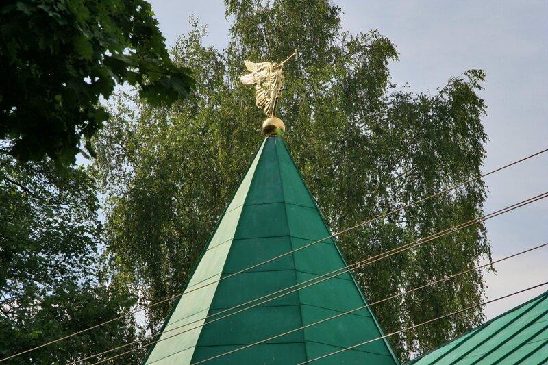Дмитров, Борисоглебский монастырь, Здание братских келий и трапезной. Фрагмент