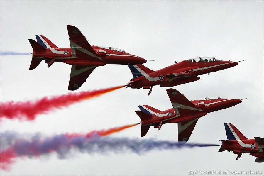Пилотажная группа Red Arrows на Air Tattoo