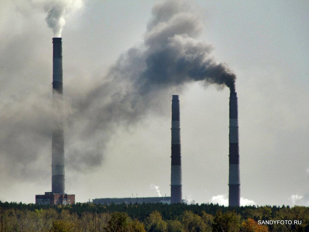 Троицкая ГРЭС — дымящие трубы